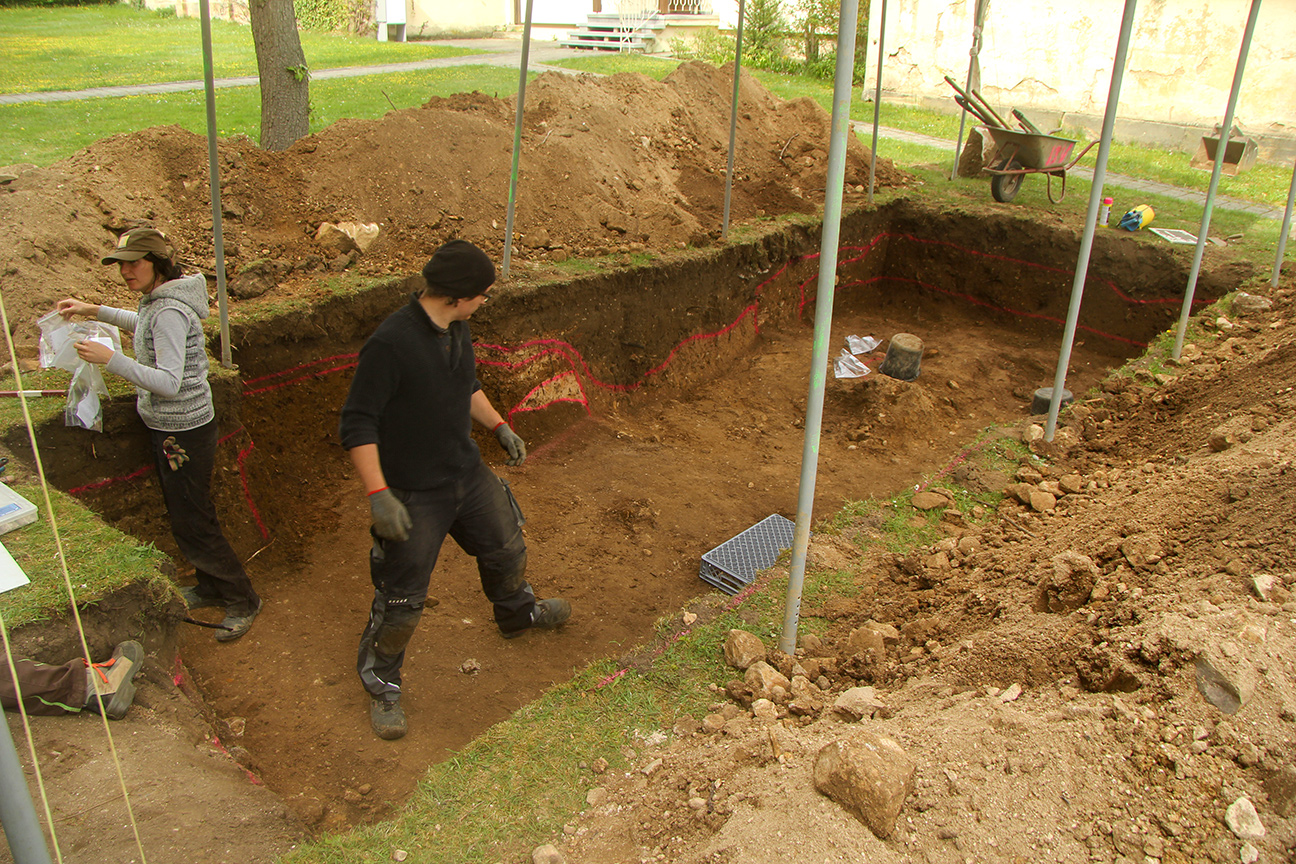 Archäologische Ausgrabung an der Pfarrkirche St. Martin, Eggolsheim/Landkreis Forchheim, Oberfranken