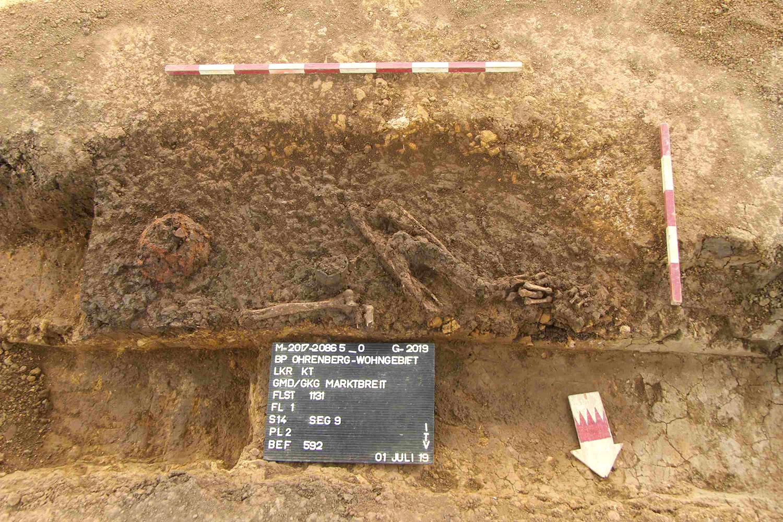 Grab mit Beigaben aus der Zeit der Linearbandkeramik / Marktbreit, Unterfranken
